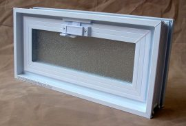 Műanyag üvegtégla ablak 38,5x19x8 cm méretű (fekvő)